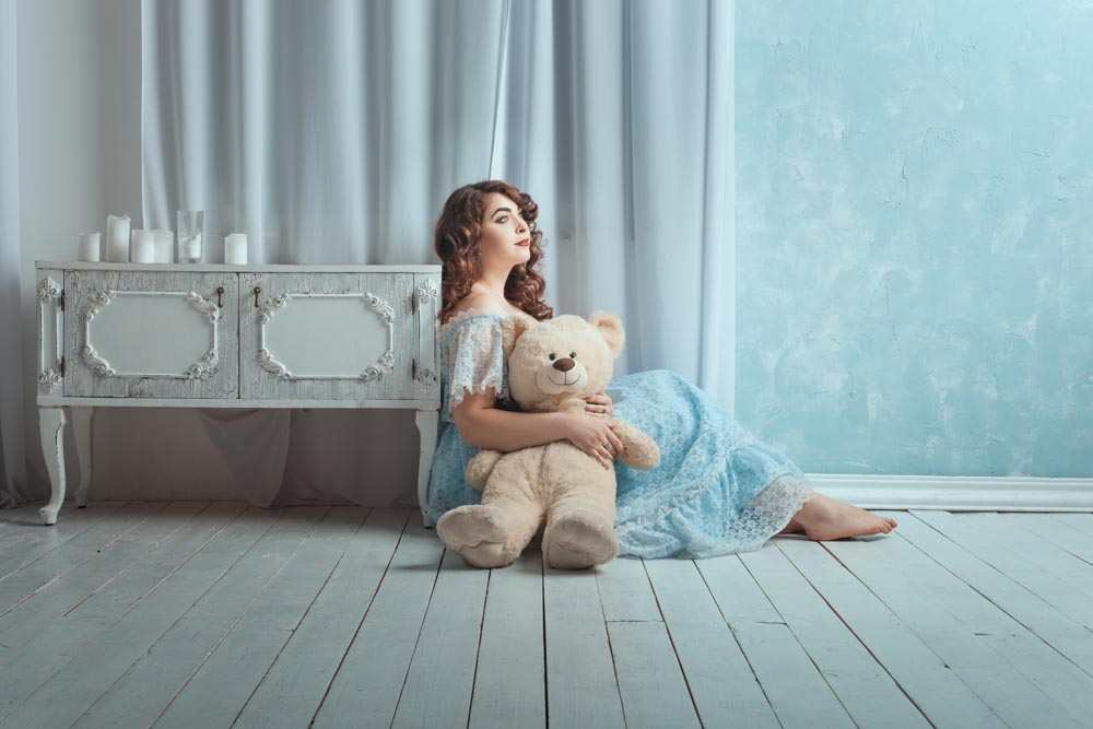 Happy Teddy Day HD Image with Girl