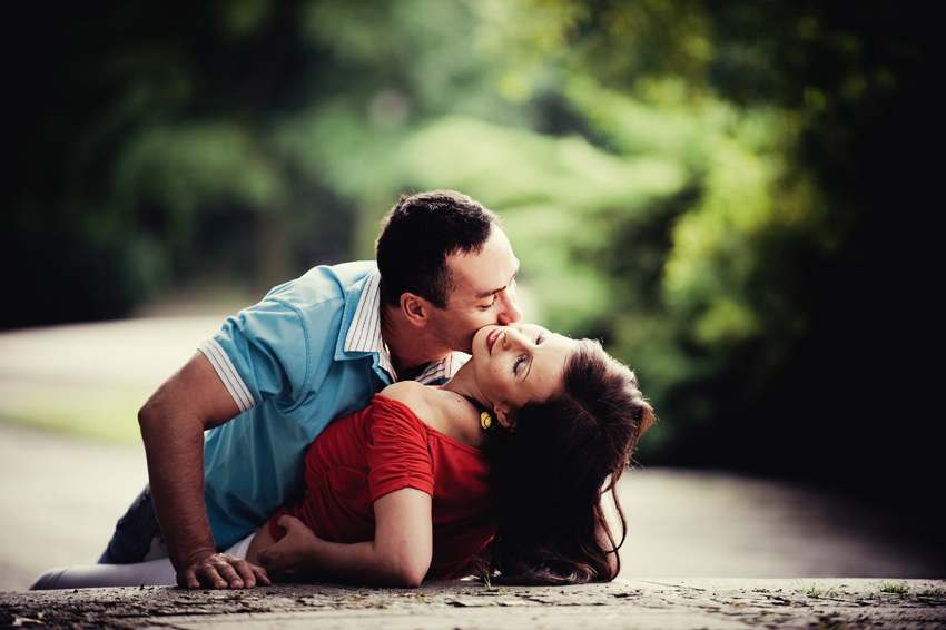 kiss day romantic wallpaper